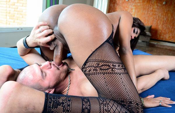 Curvy Deeply Tanned Jennifer Rios Is A Femme Brazilian